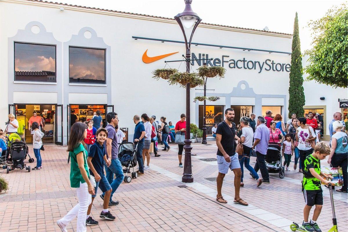 Articulación pantalones peor  Mallorca Fashion Outlet - VIA Outlets